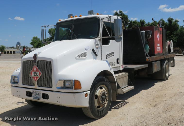 2007 Kenworth T300 service truck