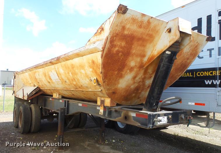 1978 Manon barrel bed end dump trailer