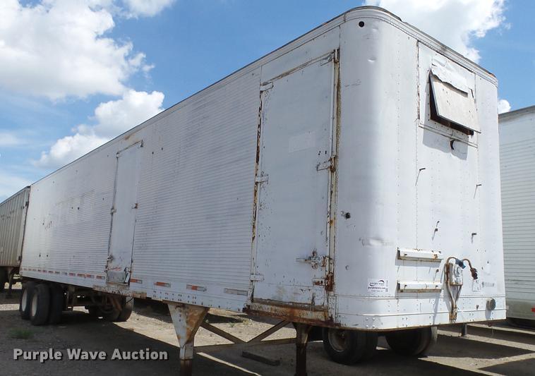 1977 Hobbs dry van trailer