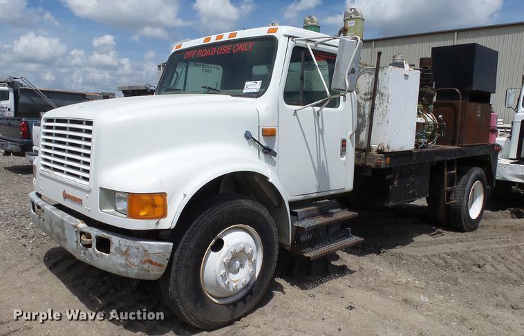 1991 International 4700 service truck