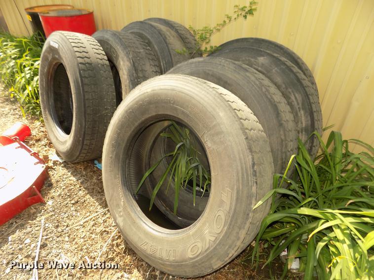 (8) tires
