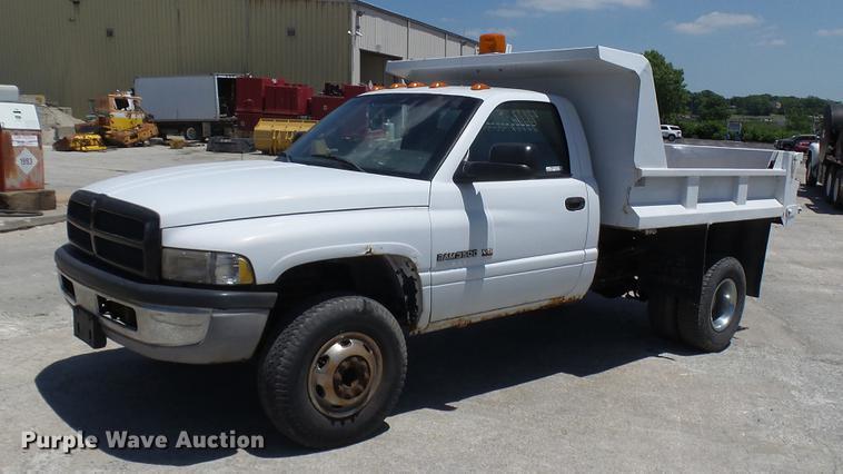 2001 Dodge 3500 dump bed pickup truck