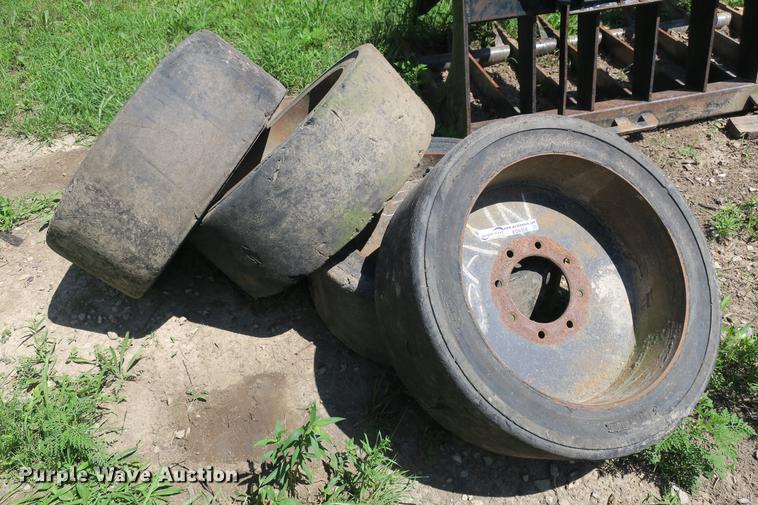 (4) Brawler 33 x 6 x 10 tires