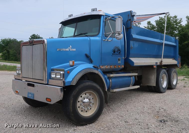 2003 Western Star 4900FA dump truck