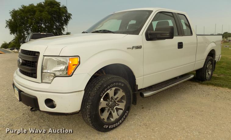 2014 Ford F150 STX SuperCab pickup truck