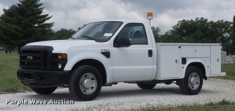 2008 Ford F250 Super Duty XL utility bed pickup truck