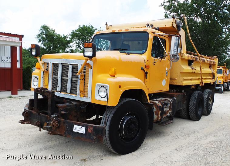 2002 International 2554 dump truck