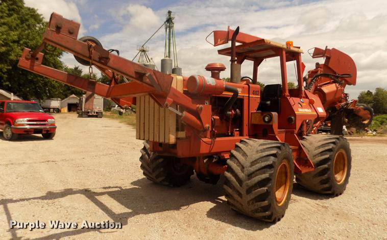1993 Ditch Witch R100JD Modularmatic vibratory cable plow