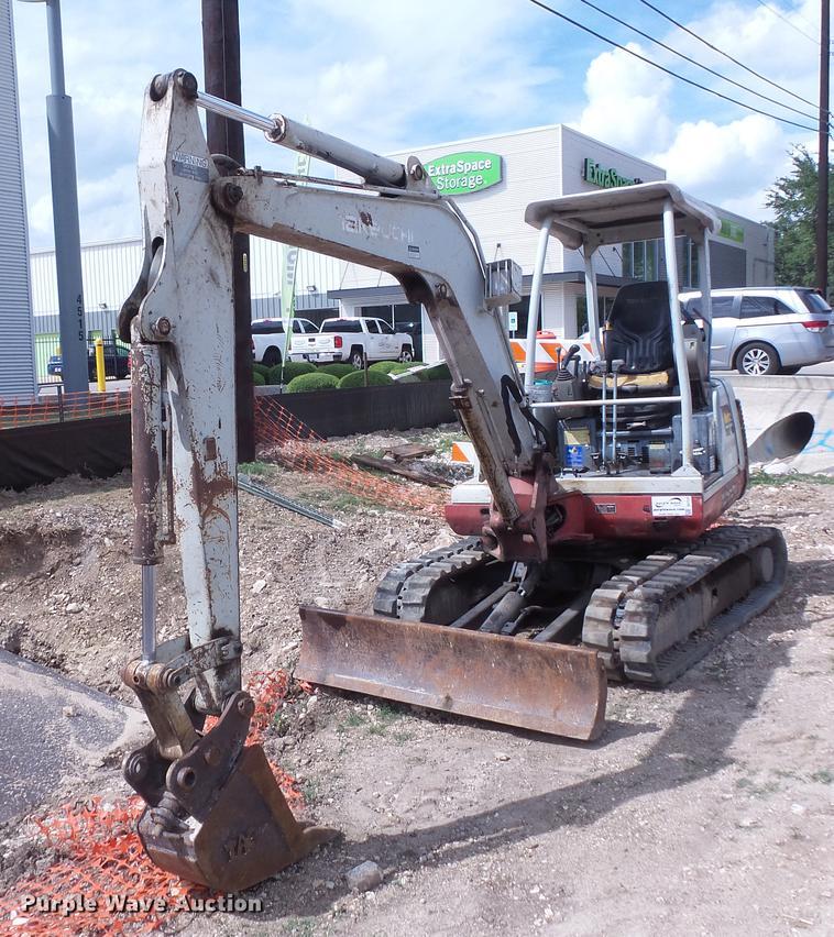 2005 Takeuchi TB135 excavator