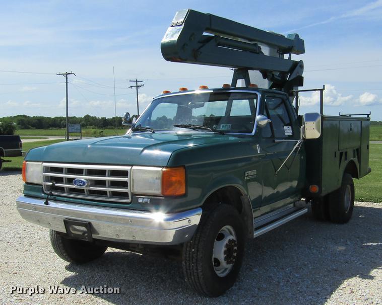 1989 Ford F450 Super Duty bucket truck