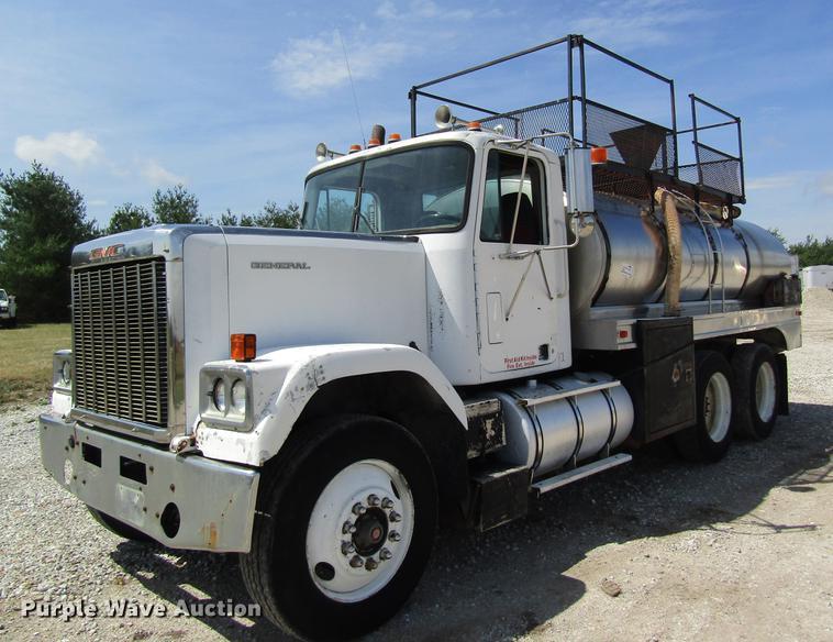 1986 GMC General tank truck