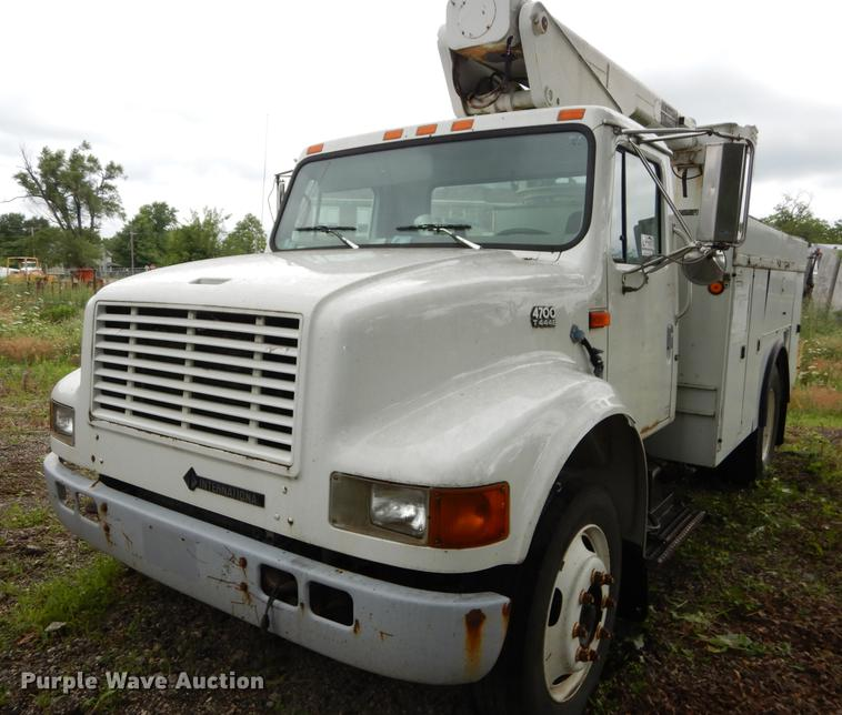 1998 International 4700 truck cab and chassis