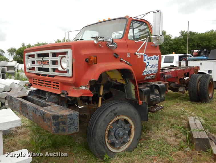 1988 GMC C6000 truck cab and chassis