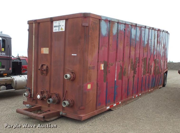 Frac tank trailer