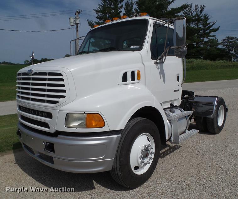 2007 Sterling L8500 semi truck