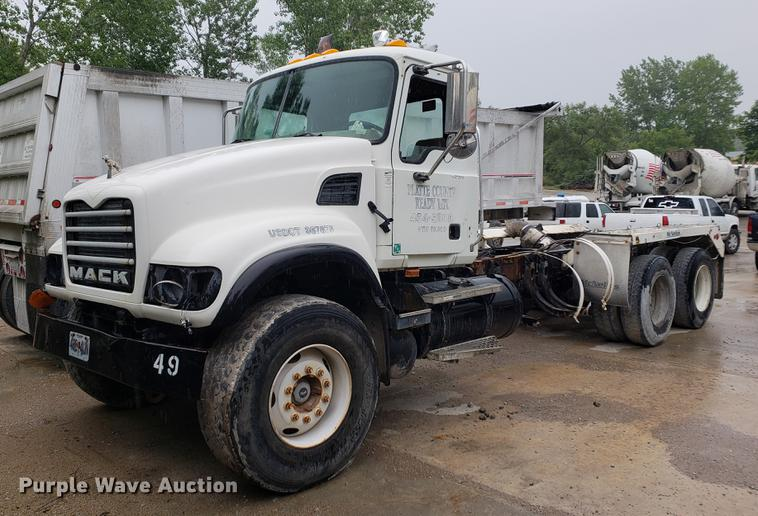 2005 Mack CV713 truck cab and chassis