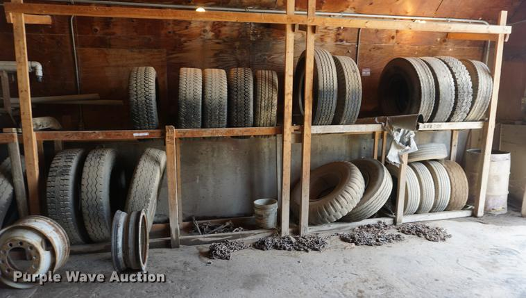 (19) tires