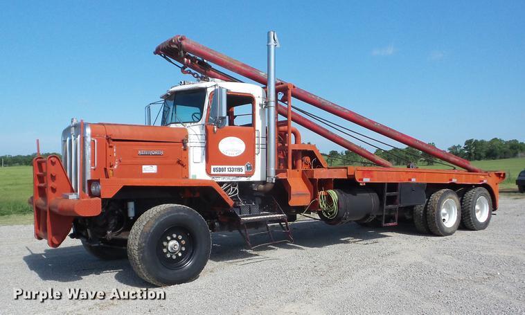 1981 Kenworth flatbed winch truck