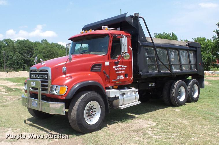 2004 Mack CV713 Granite dump truck