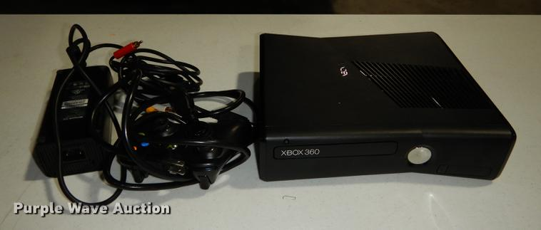 Xbox 360 game system