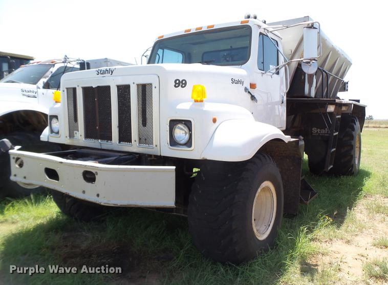 1998 International 2554 Stahly applicator truck
