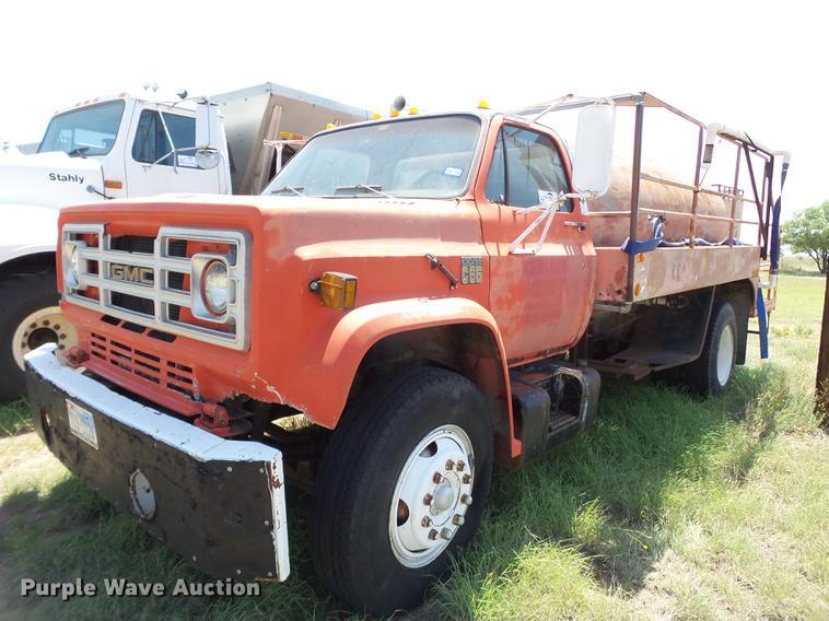 1977 GMC C65 tank truck