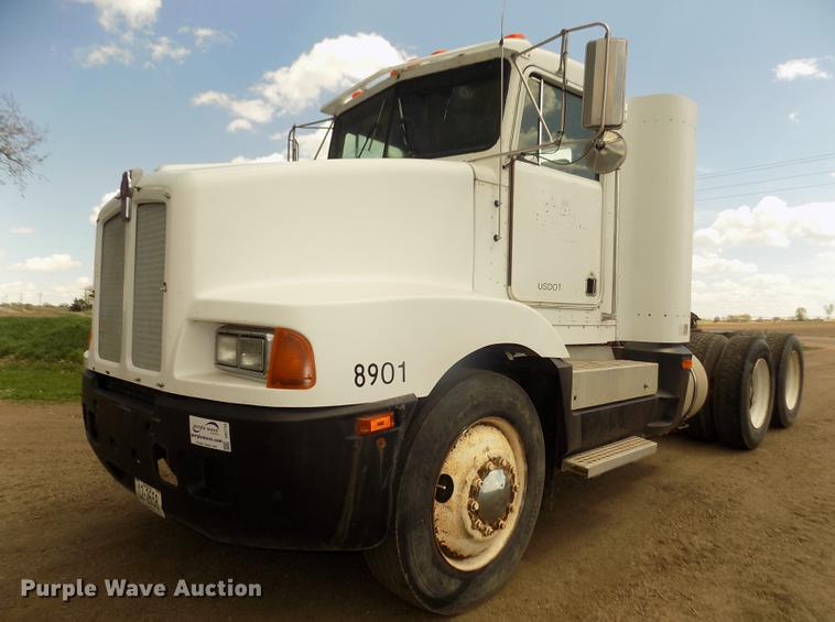 1989 Kenworth T400 semi truck