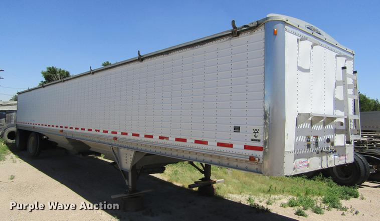 2001 Wilson DWH400 double hopper bottom grain trailer