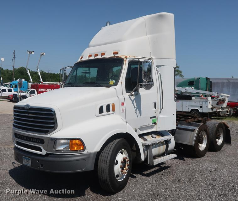 2005 Sterling AT9500 semi truck