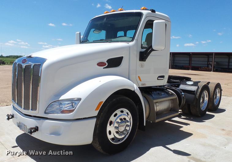 2013 Peterbilt 579 semi truck