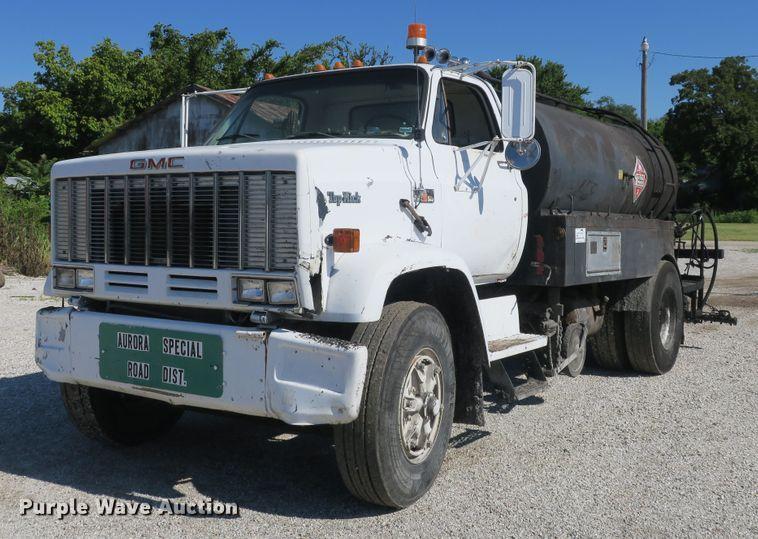 1983 GMC TopKick 7000 oil distributor truck