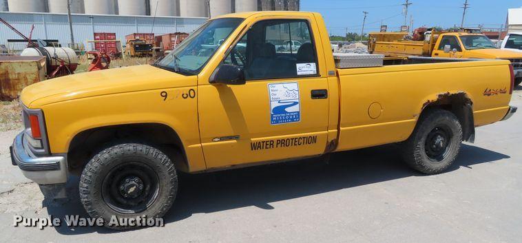 1997 Chevrolet K1500 pickup truck
