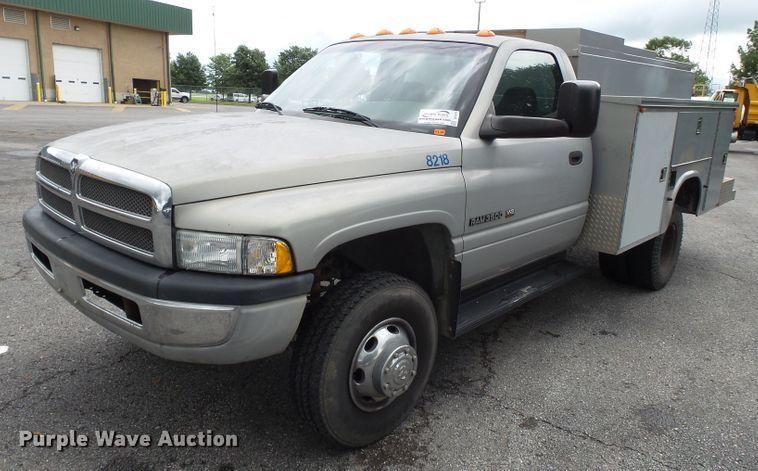 2001 Dodge Ram 3500 utility bed pickup truck