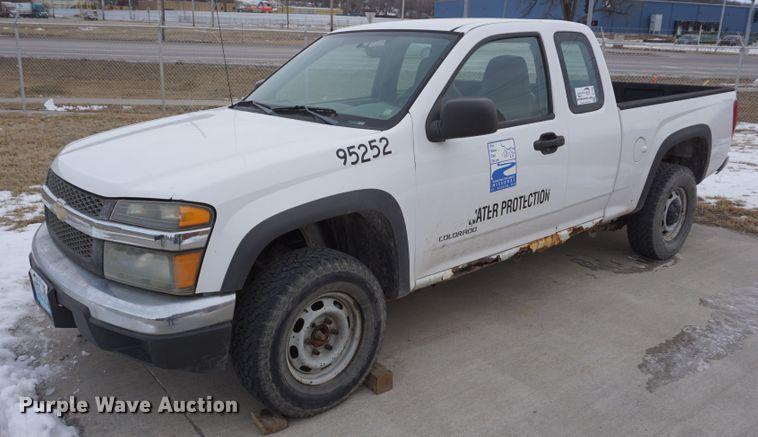 2005 Chevrolet Colorado Ext. Cab pickup truck
