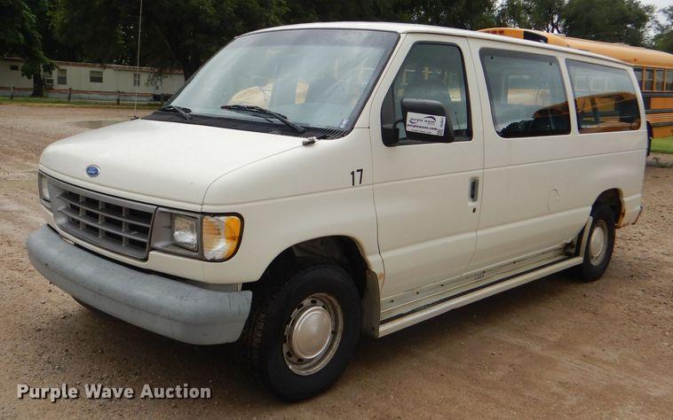 1996 Ford Club Wagon van