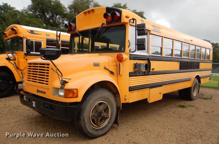 1997 International 3800 Thomas school bus