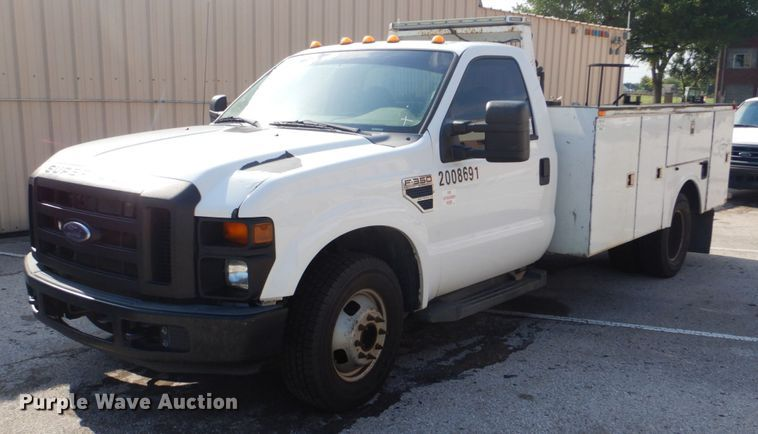 2008 Ford F350 Super Duty utility bed pickup truck