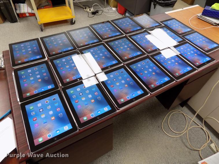 (20) iPad 2
