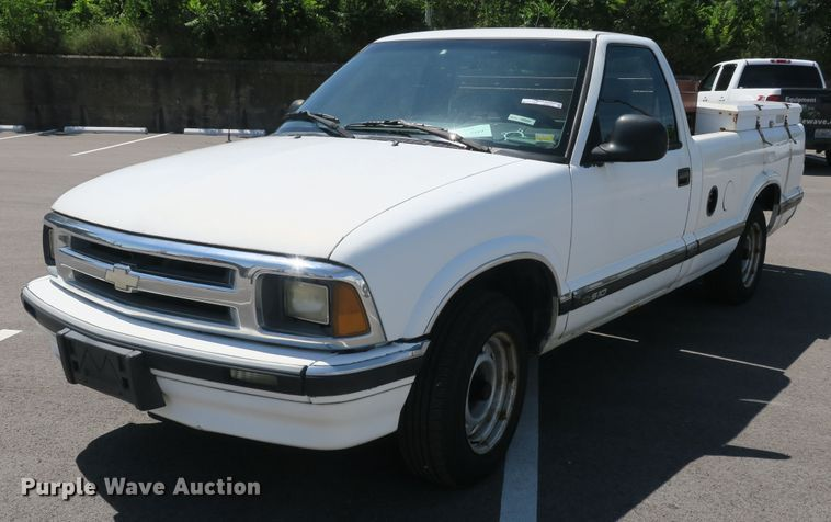 1994 Chevrolet S10 pickup truck