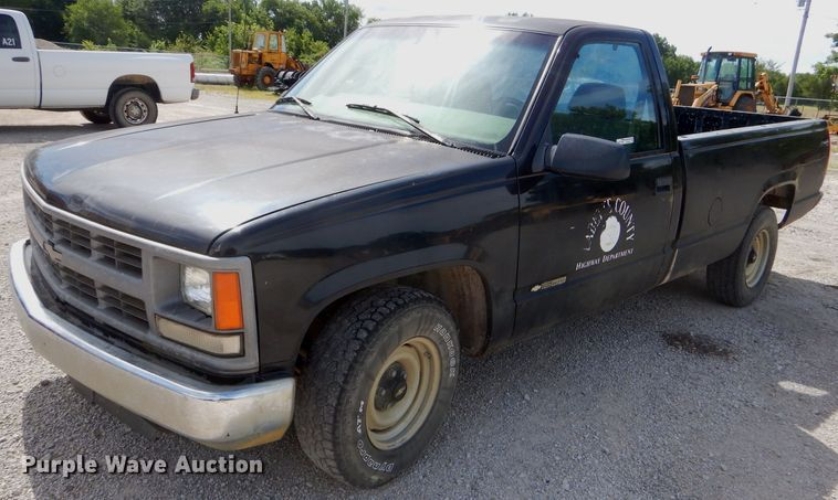 1997 Chevrolet C1500 pickup truck