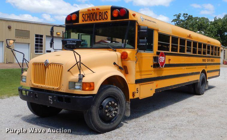 2002 International CE Thomas school bus