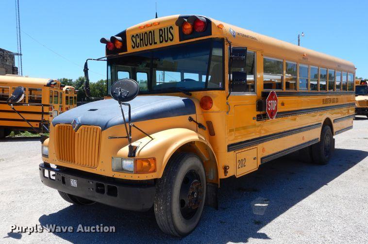 2002 International CE school bus