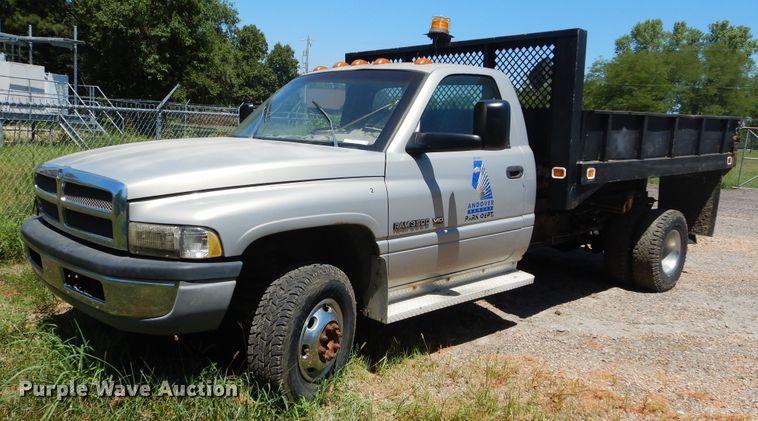 2001 Dodge Ram 3500 pickup truck