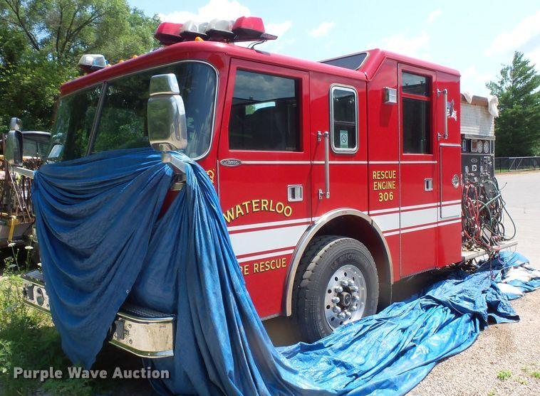 2002 Pierce fire truck