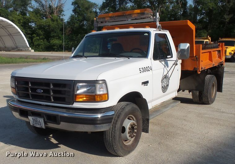 1997 Ford F450 Super Duty dump truck