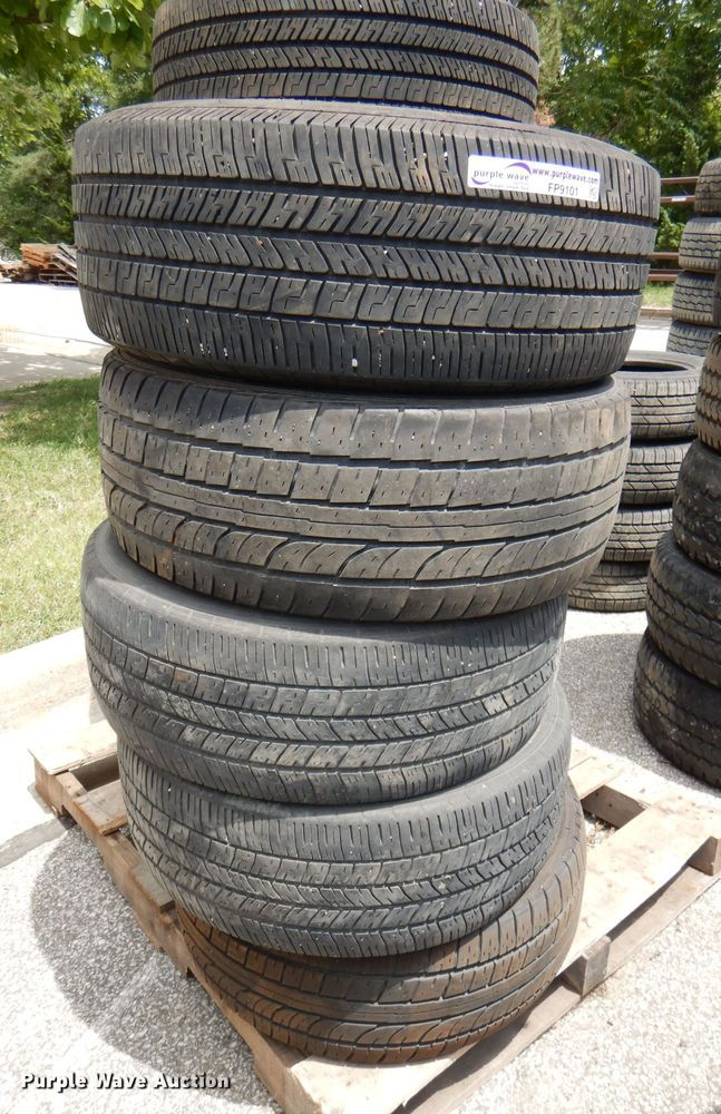(11) 245/55R18 tires