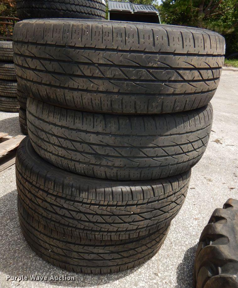 (4) 265/70R17 tires