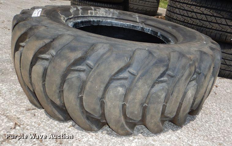 12.5/80-18 tire