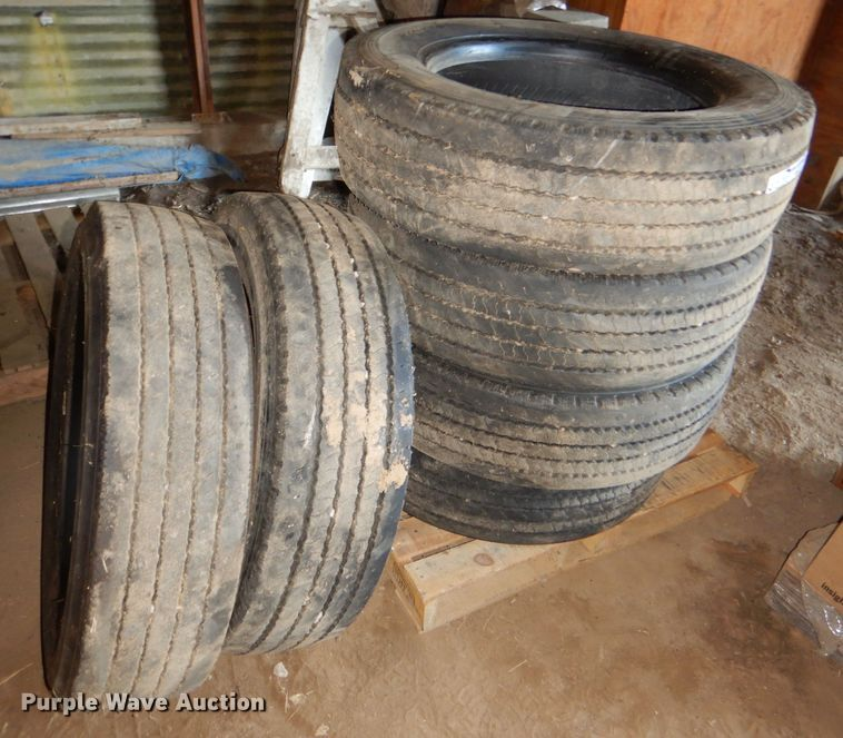 (7) tires