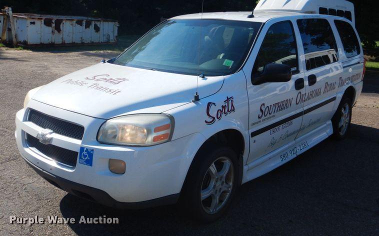 2007 Chevrolet Uplander handicap accessible van